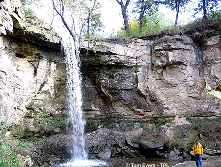 Minnemishinona Falls