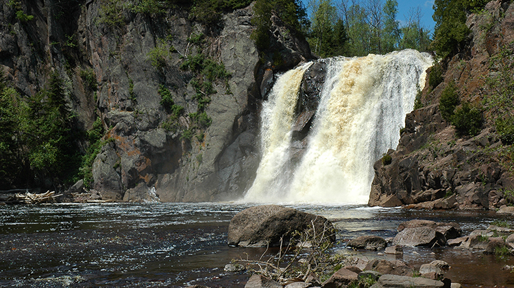 View of the High Falls in Tettegouche State Park.