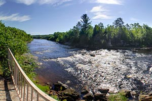 Photo of an overlook that was was the original location of the Kettle River Dam and its electric power station.