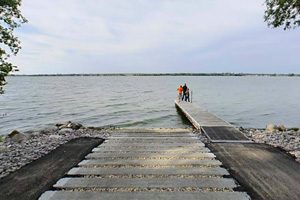 Photo of the Meadowbrook boat launch.