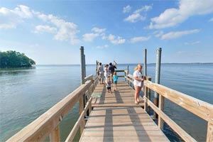 Photo of the accessible fishing pier at Father Hennepin State Park.