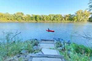 Photo of the Minnesota River portage to Gun Club Lake.