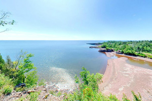 Photo of the Gitchi Gummi Trail Overlook at Gooseberry Falls State Park, with Lake Superior down below.