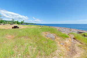 Photo of the Picnic Flow area along Lake Superior's shoreline at Gooseberry Falls State Park.