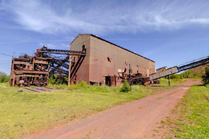 Photo of the facility where fine ore would be processed in Humphrey spirals and coarse material would be processed in heavy media.