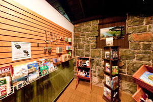 Photo of the gift store.