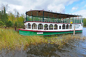 Photo of the Chester Charles II excursion boat, available for tours on Lake Itasca.