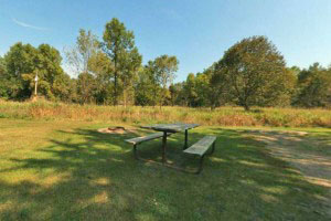Photo of the picnic facilities at the lower campground.