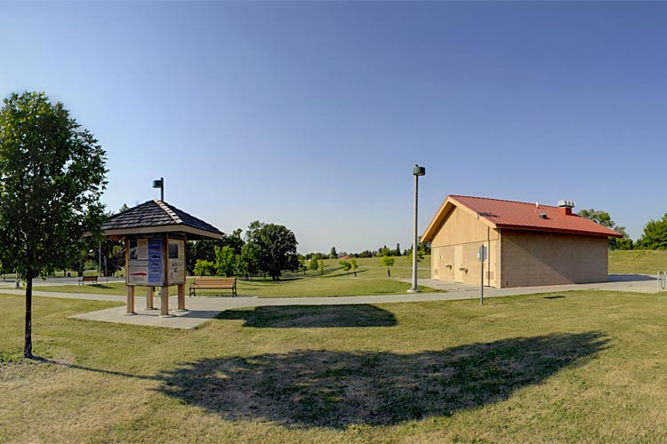 Photo of the River Heights Trail Head, located close to both a parking area and restrooms.