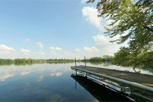 Photo of a pretty view of Sakatah Lake from the boat ramp.