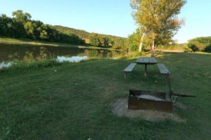Photo of the picnic area near the convergence of both the Yellow Medicine and Minnesota Rivers.