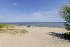 Photo of a the beach at the carry-in access for visitors who wish to paddle Lake of the Woods.