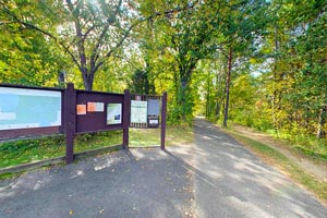 Photo of the trail head visitor kiosks located at Pine Point Park.