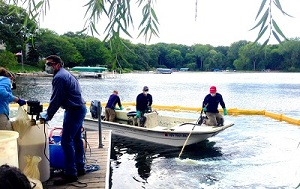 Applying Zequanox to Christmas Lake in September 2014