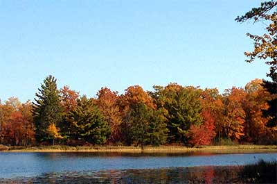 Photo of fall color on Sunfish Lake in Mille Lacs Moraine SNA