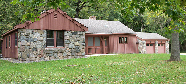 Photo of the Camden State Park Redwood Lodge