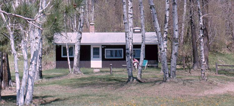 Guesthouse in birch grove, Savanna Portage State Park