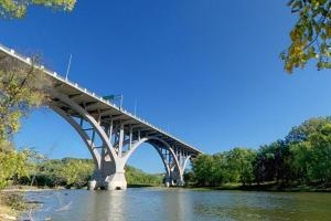 Photo of the Mendota Bridge crossing the Minnesota River to Picnic Island.
