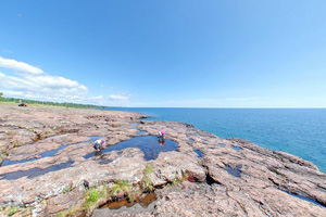 Photo of vernal pools at the Picnic Flow area along Lake Superior's shoreline at Gooseberry Falls State Park.