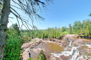 Photo of the Middle Falls Overlook at Gooseberry Falls State Park.