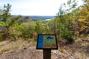 Photo of the St. Croix River Valley overlook.