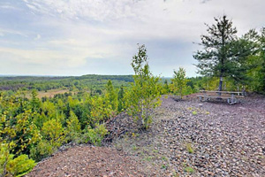 Photo of the Lone Pine overlook, featuring beautiful Lake Ore-Be-Gone and the City of Gilbert on the Laurentian Divide.