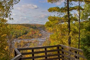 Photo of the autumnal view from Oldenburg scenic overlook.