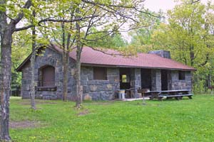 Photo of the picnic pavilion at Oldenburg Point.
