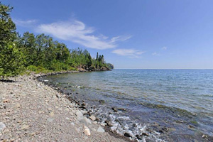 Photo of Crazy Bay, easily accessed by kayak travelers on the Lake Superior Water Trail.