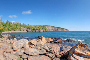 Photo of a shoreline view of Superior Beach Trail Spur off the Shovel Point Trail.