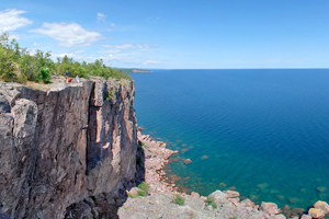 Photo of the top of Palisade Head with stunning views of the Lake Superior shoreline.