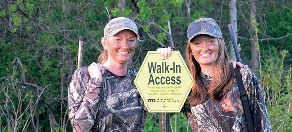 Two hunters in a WIA