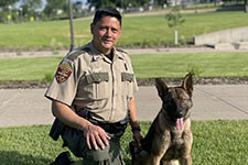 officer with k9