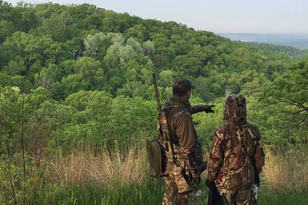 A mentor hunter hunts with a mentee