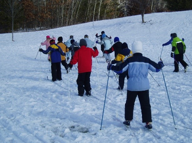 A youth cross-country skiing education experience