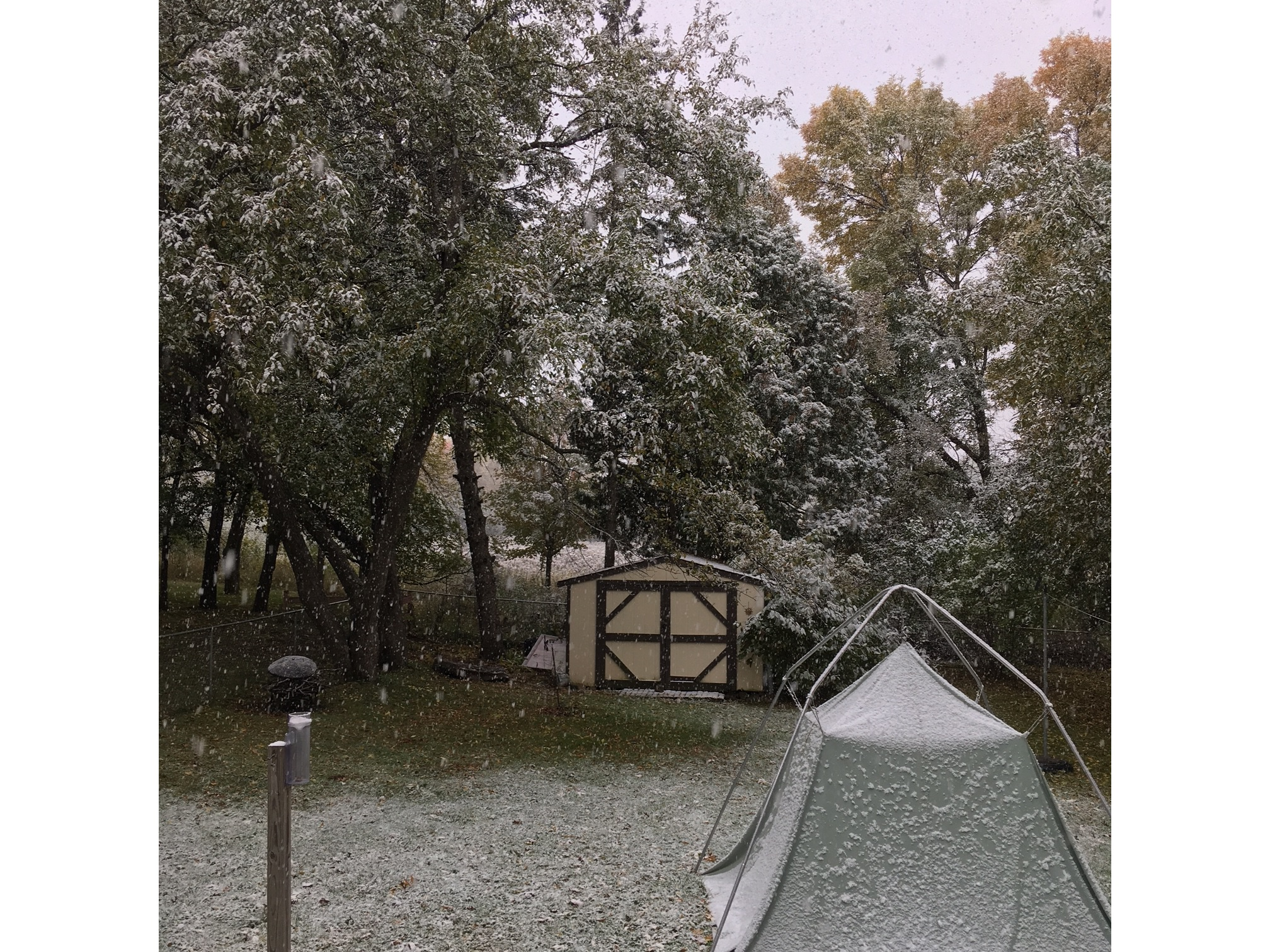 Snow on October 14, 2018 in Maplewood