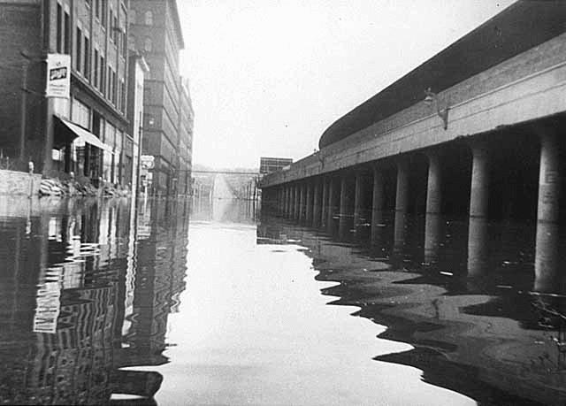 Kellogg Boulevard looking east during flood, St. Paul. 1965.