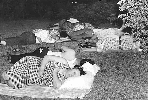 Sleeping outside during a heat wave, St. Paul