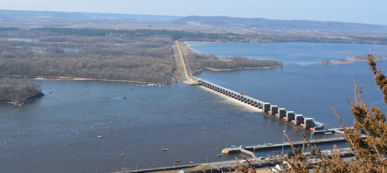 Dam on Mississippi River